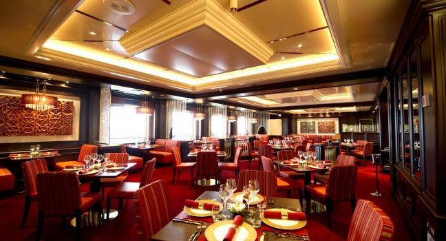 Azura dining review fodor 39 s travel for P o britannia dining rooms