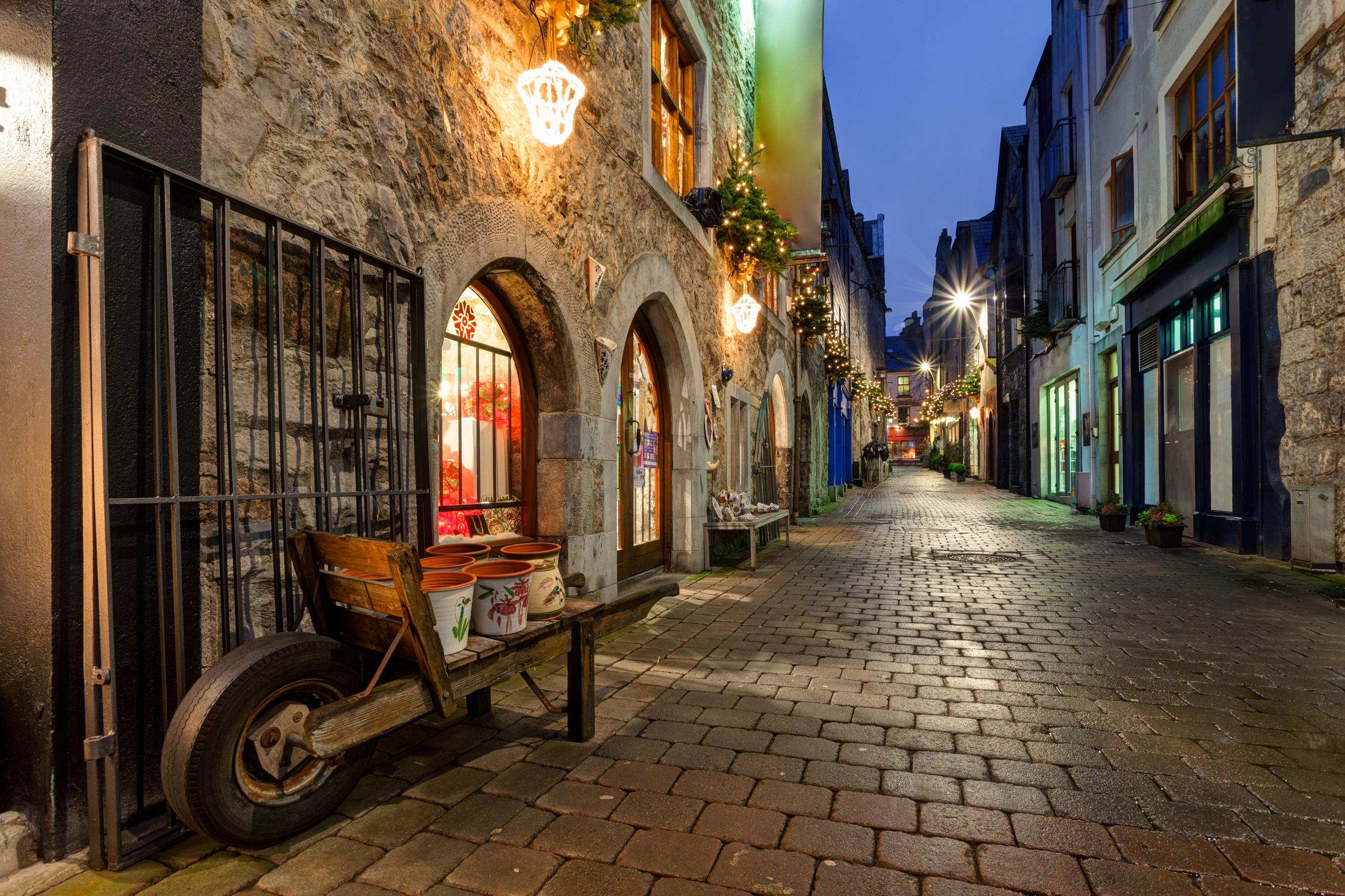 Hotels in County Clare, Galway, and the Aran Islands
