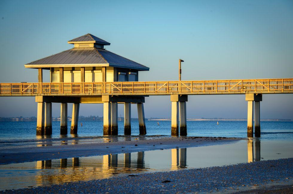 Sunset, Pier, Beach, Fort Meyers, The Lower Gulf Coast, Florida, USA