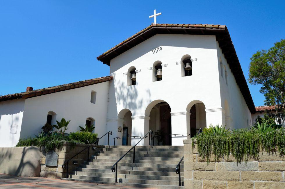 Exterior, Mission San Luis Obisoplo de Tolosa, Santa Barbara and the Central Coast, California, USA