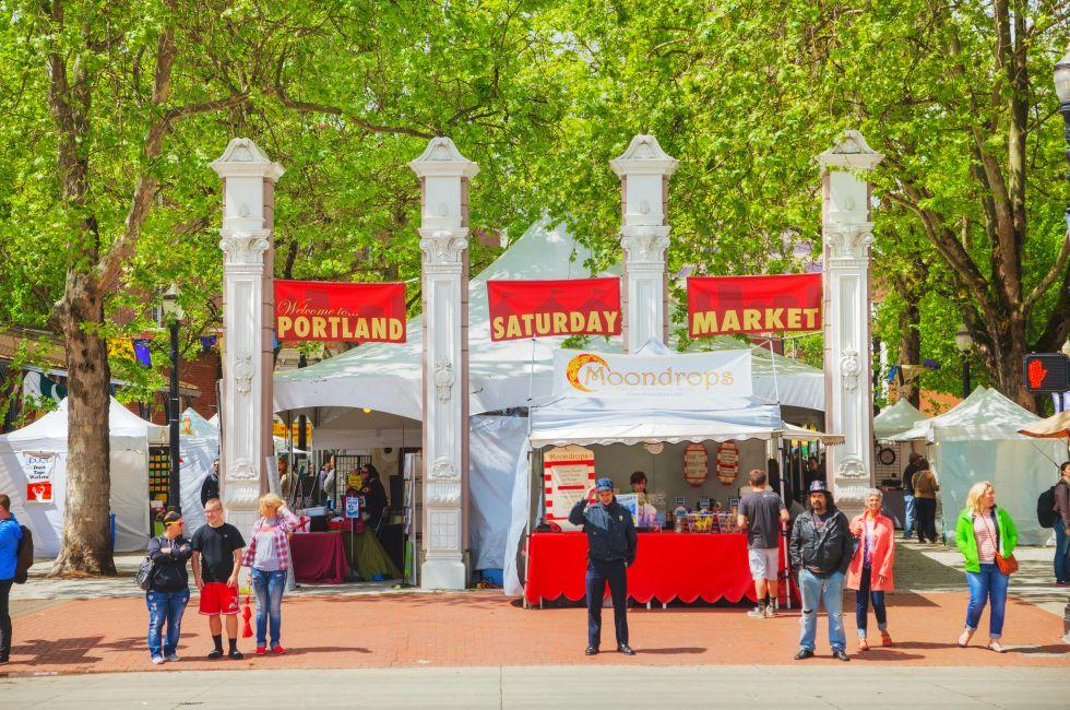 Market, Governor Tom McCall Waterfront Park, Portland, Oregon