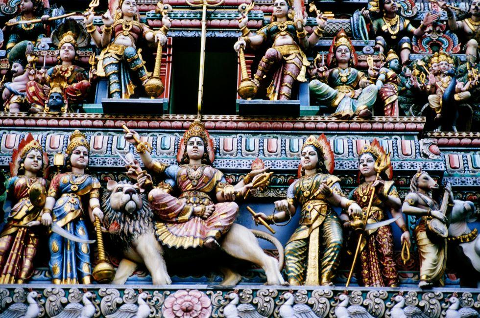 Sri Mariamman Temple, Chinatown and Tiong Bahru, Singapore, Asia.