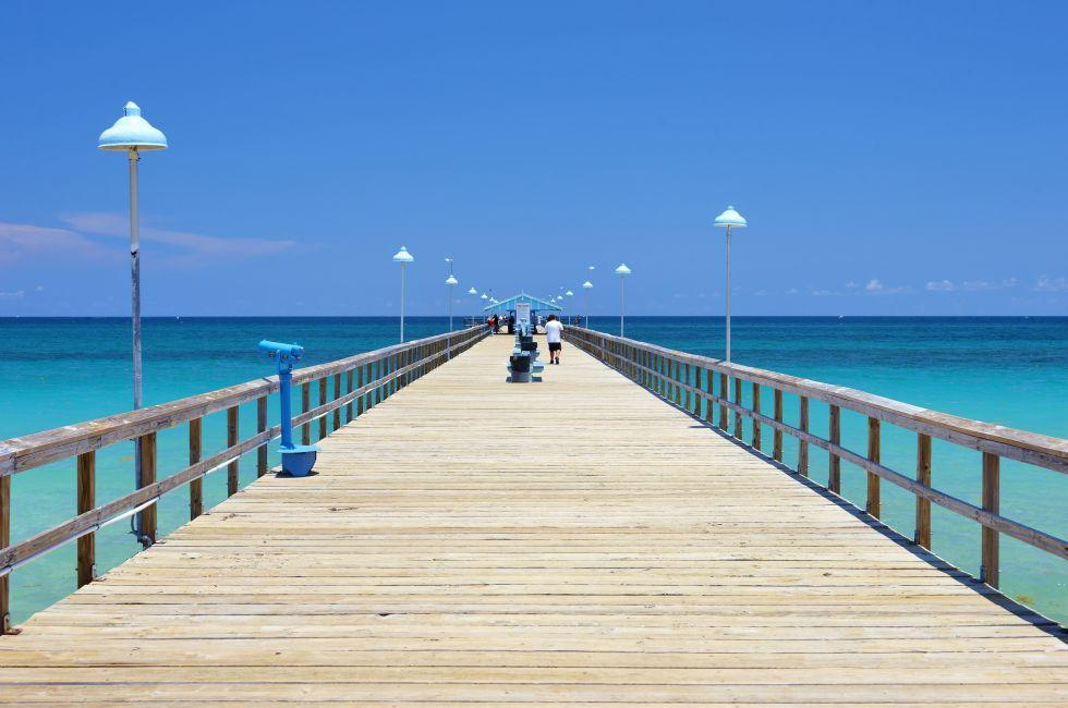 Pier, Waterfront, Lauderdale-by-the-Sea, Fort Lauderdale, Florida, USA