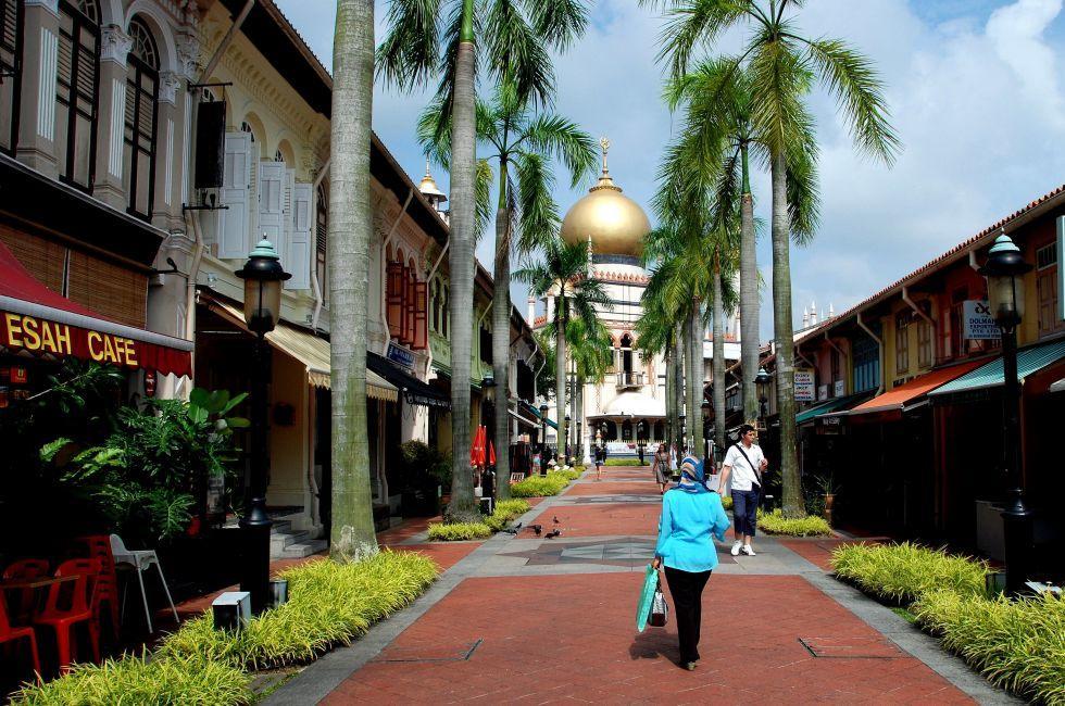 Bussorah Street, Singapura Mosque, Kampong Glam, Singapore, Asia.