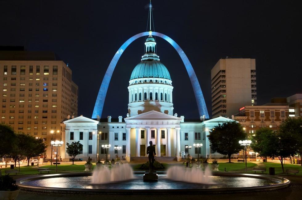 Courthouse, Night, St. Louis Arch, St. Louis, Missouri, USA