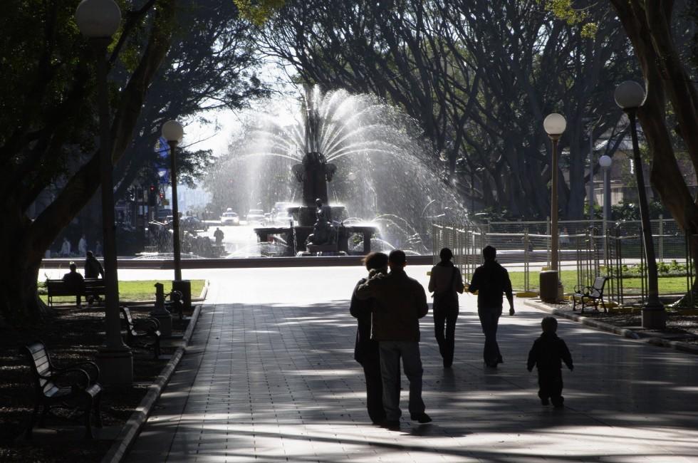 Family, Fountain, Sydney, Australia