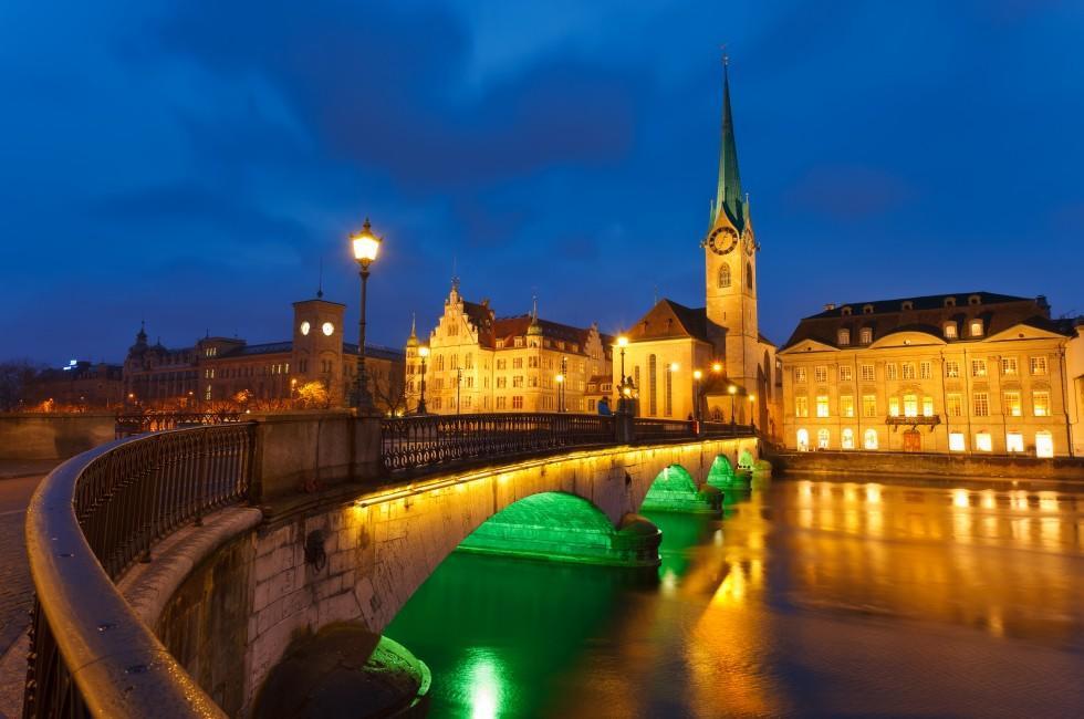 Munsterbrucke Bridge, Grossmunster Church, Zurich, Switzerland
