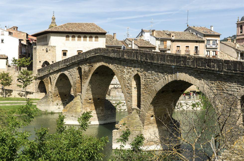 Puente la Reina Bridge, Arga River, Puente la Reina, Navarra, Spain