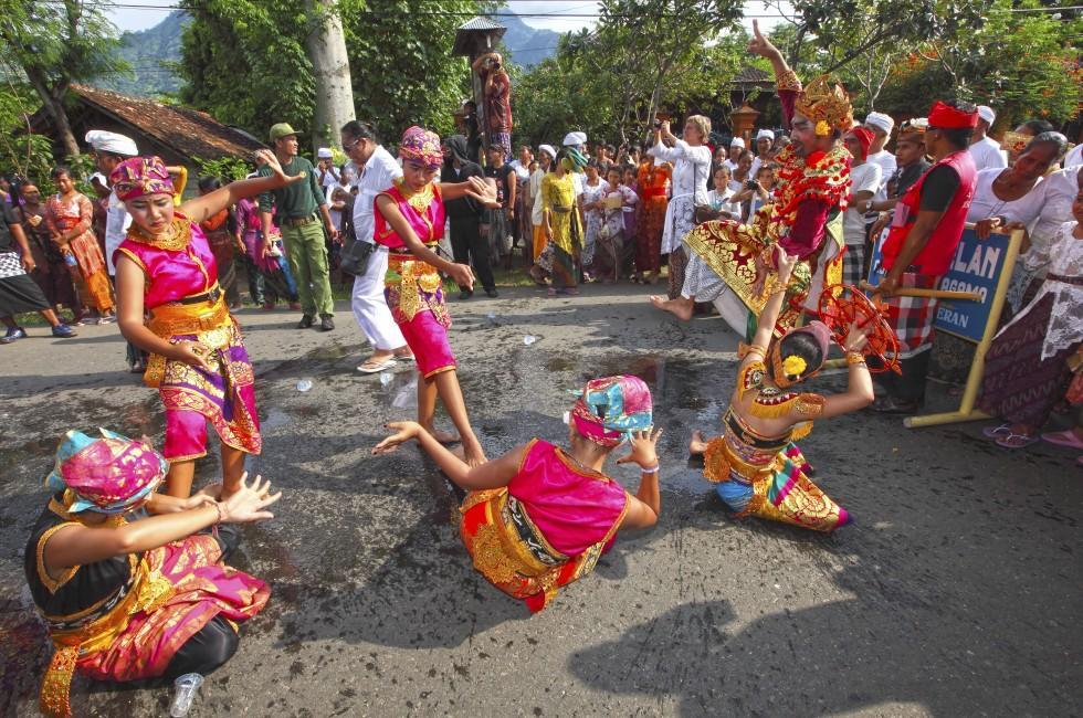 Balinese Ngrupuk Parade, Pemuteran, Bali