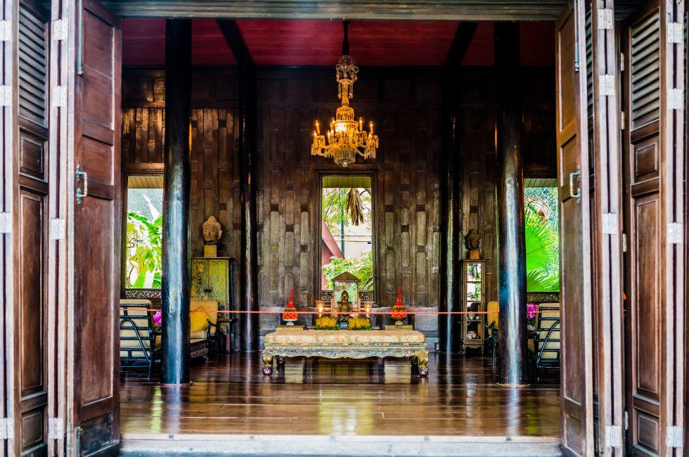 Altar, Jim Thompson's House, Pathumwan, Bangkok, Thailand, Asia.