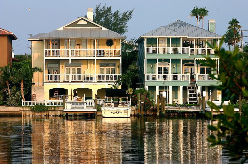 houses waterfront pass a grille st pete 39 s the tampa bay area