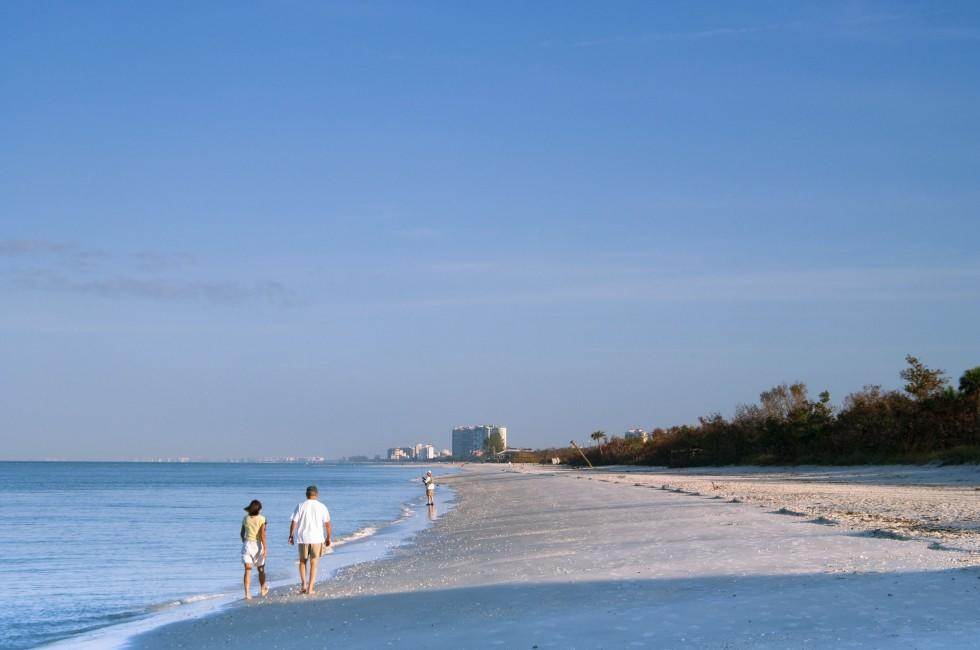 Couple, Beach, Naples, The Lower Gulf Coast, Florida, USA