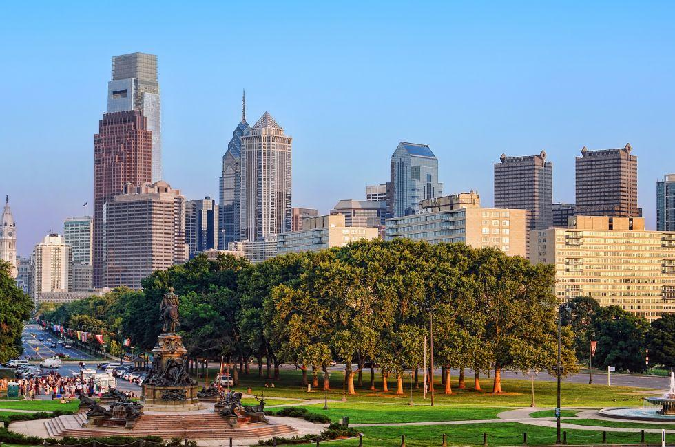 Eakins Oval, Benjamin Franklin Parkway and Fairmount, Philadelphia, Pennsylvania, USA.