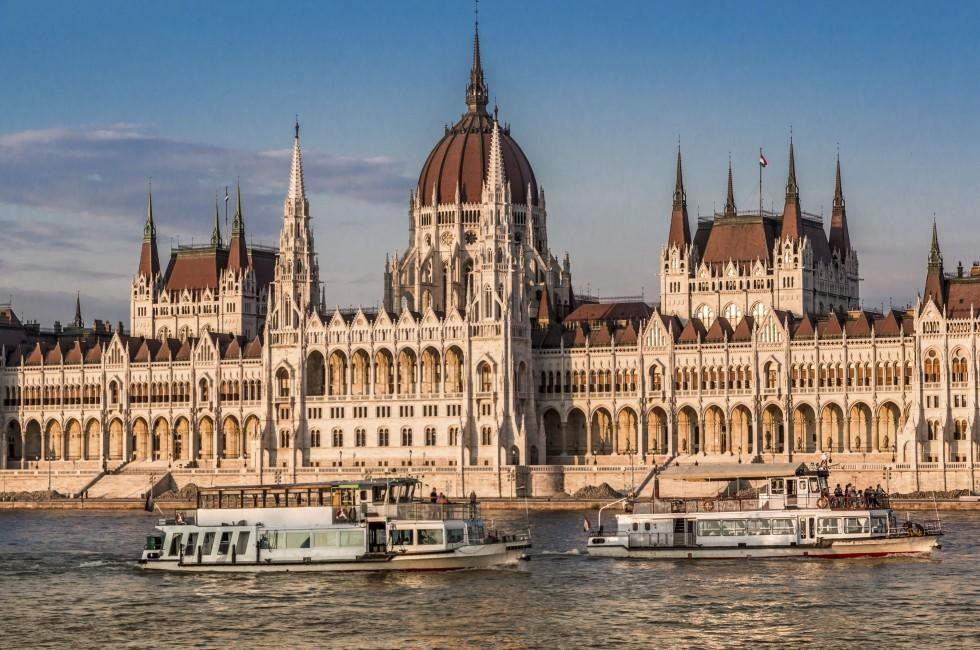 Danube River, Hungarian Parliament Building, Budapest, Hungary