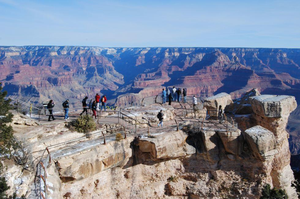 Tourists, Grandview Point, Grand Canyon South Rim, Grand Canyon, Arizona, USA, North America