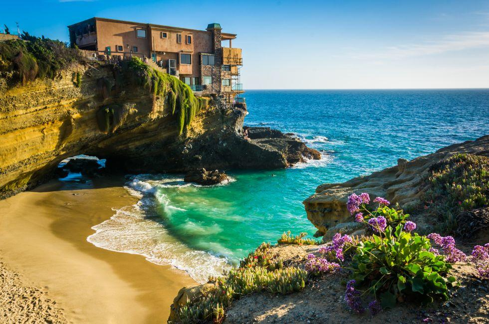 Flowers, House, Cliff, Table Rock Beach, Laguna Beach, California