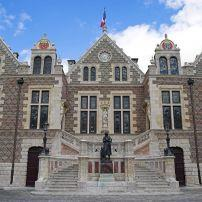 Joan of Arc Statue, Groslot, The Loire Valley, France