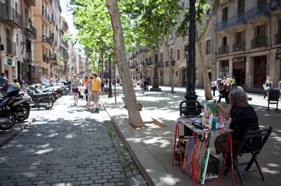 Artist, Passeig del Born, Barcelona, Spain