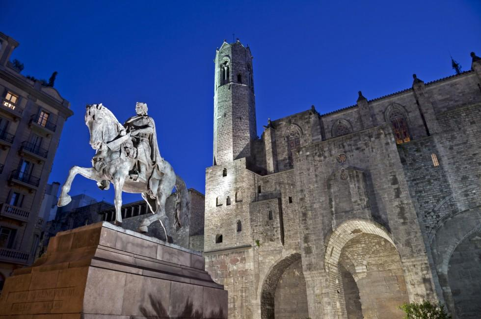 Statue of Ramon Berenguer III, The Barri Gotic, Barcelona, Spain