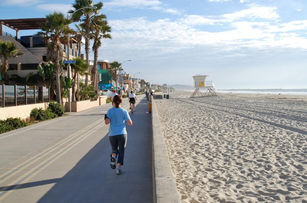 Jogger, Mission Bay, Beaches, and SeaWorld, San Diego, California, USA