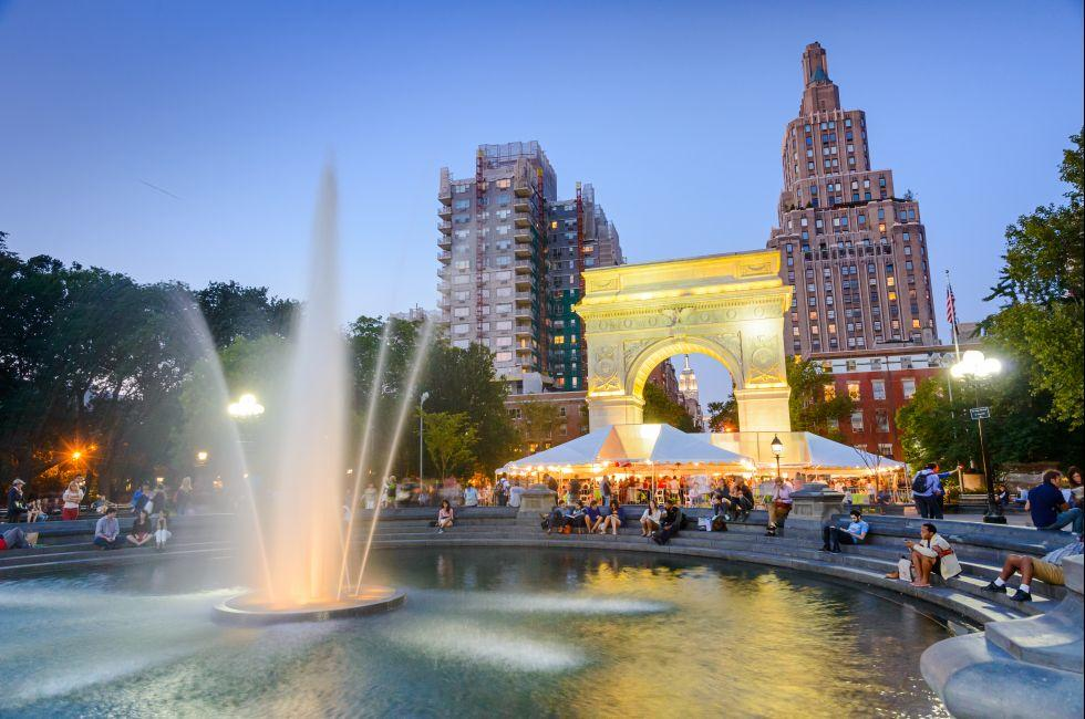 Washington Square Park, Greenwich Village, New York City, New York, USA.