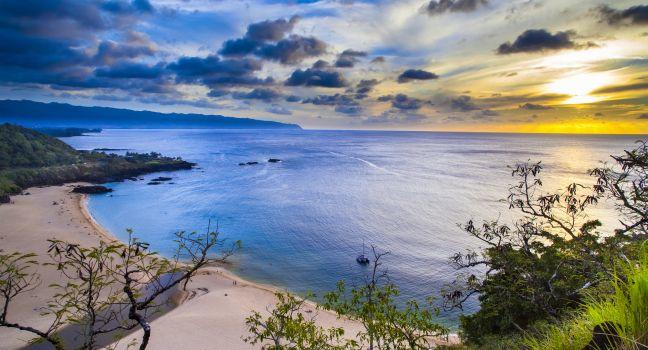 Waimea Bay, North Shore Oahu, Honolulu and Oahu, Hawaii, USA