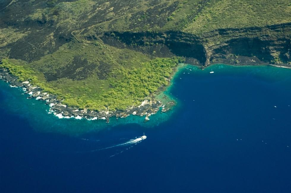 Aerial View, Kealakekua Bay State Historical Park, Kailua-Kona, Big Island, Hawaii, USA