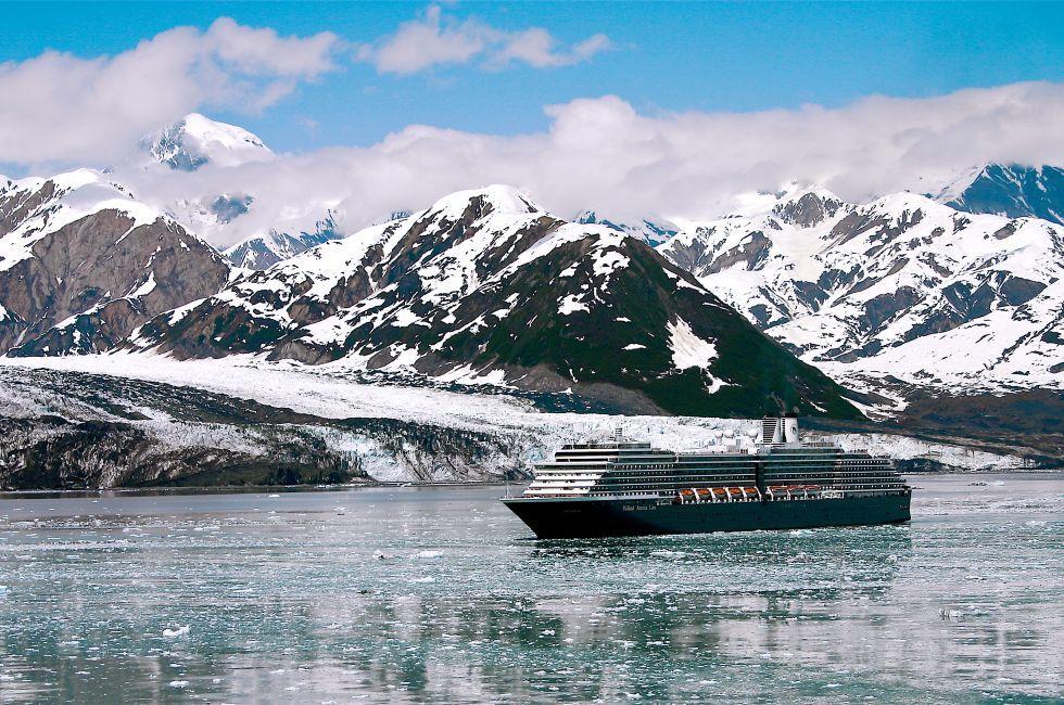 Cruise ship, Yakutat Bay, Alaska, USA, North America