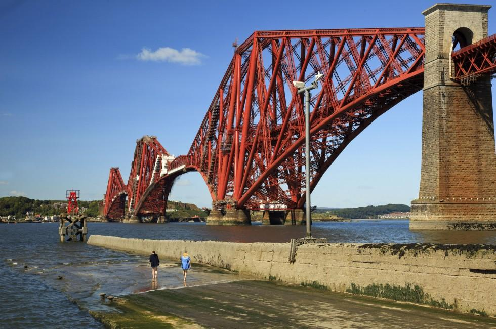 Forth Rail Bridge, Firth of Forth, Edinburgh, Scotland