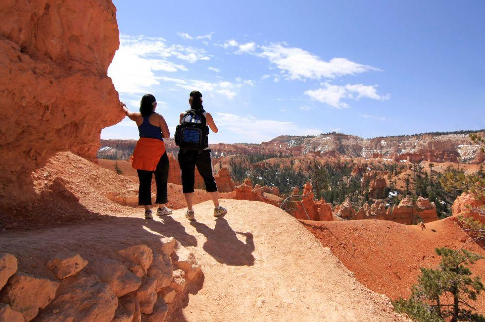 Hikers, Bryce Canyon National Park, Utah, USA