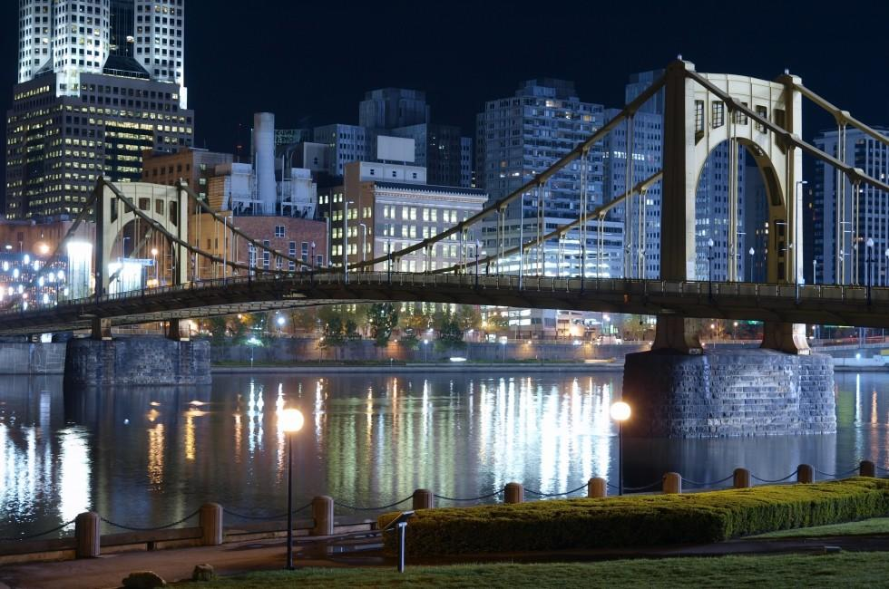 Waterfront, Night, Sixth Street Bridge, Allegheny River, Pittsburgh, Pennsylvania, USA