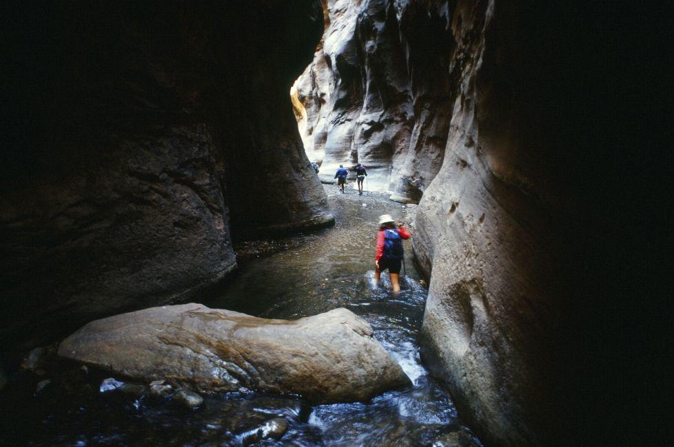 canyoneering zion narrows, Utah