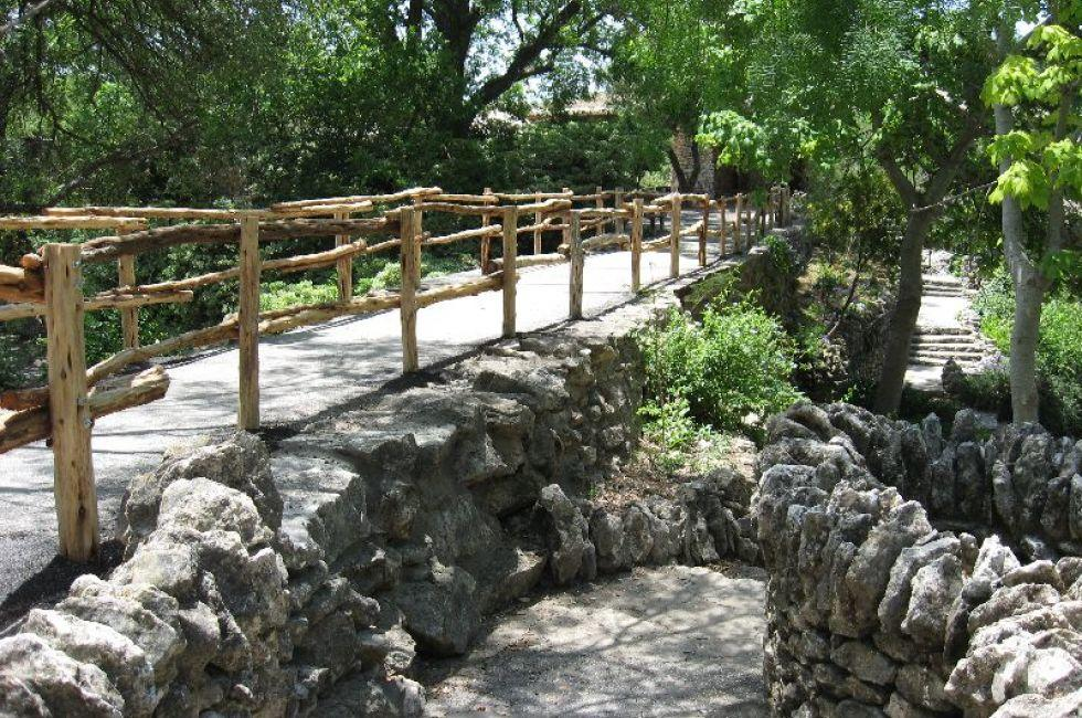 Bridge, Brackenridge Park, San Antonio, Texas, USA