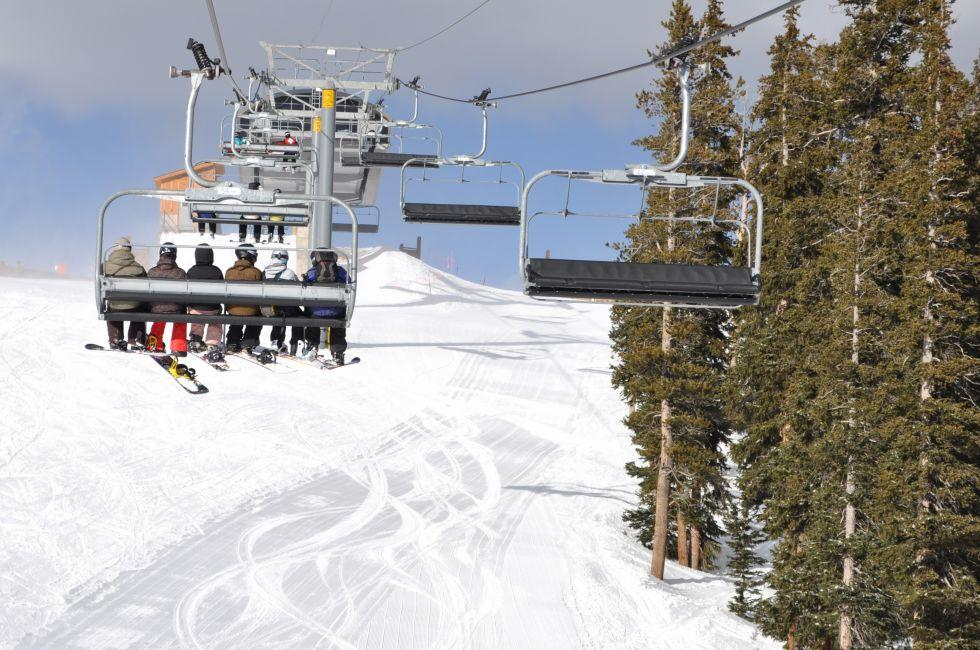 Skiiers, Chair lift, Keystone, Summit County, Colorado, USA, North America