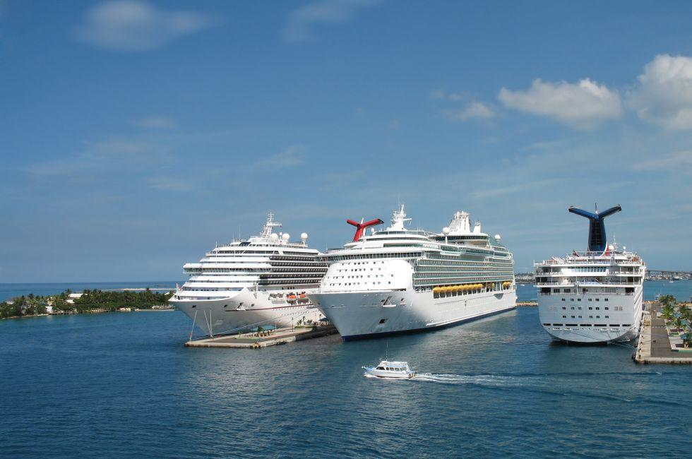 Cruise Ships, Port of Nassau, New Providence, Bahamas