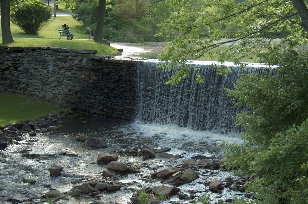 Waterfall, Millpond, Monroe, The Hudson Valley, New York, USA
