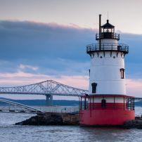 Dusk, Hudson River, Tarrytown Lighthouse, Tappan Zee Bridge, Tarrytown, The Hudson Valley, New York, USA