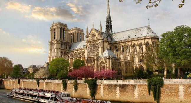 Boat, Seine, Notre-Dame, Paris, France