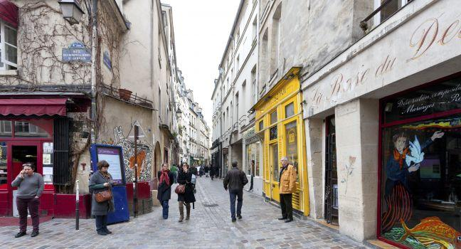 http://assets.fodors.com/destinations/7003/jewish-quarter-the-marais-paris-france_main.jpg