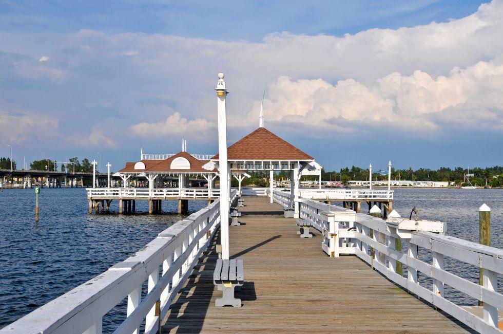 Bradenton Beach Historica Pier, Anna Maria Island, The Tampa Bay Area, Florida, USA