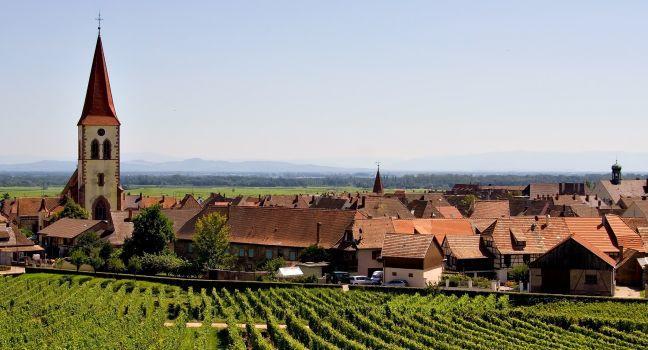 Alsace-Lorraine                                                                                            TRAVEL GUIDE