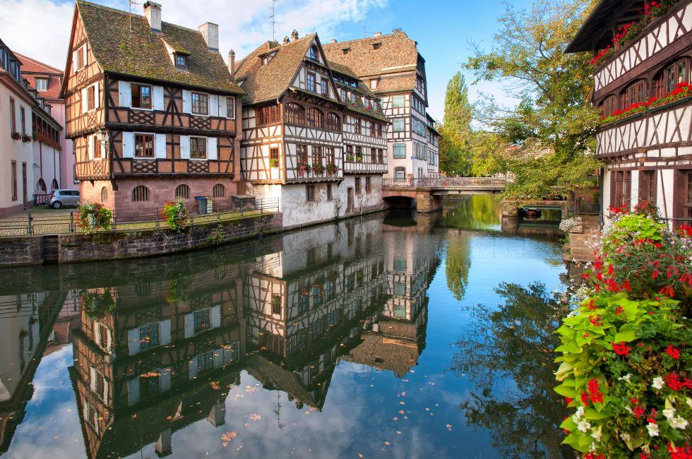 Canal, Houses, La Petite France, Strasbourg, Alsace, France