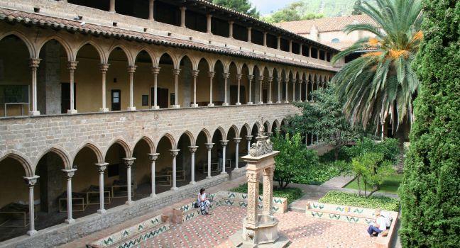 Courtyard, Monestir de Pedralbes, Barcelona, Spain