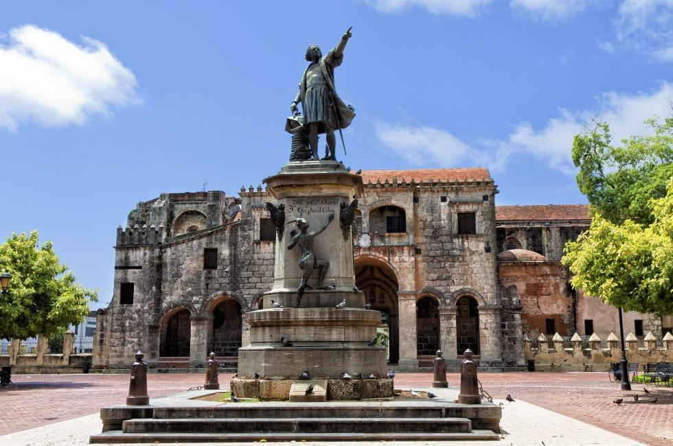 Columbus Statue, Parque Colon, Danto Domingo, Dominican Republic, Caribbean