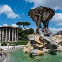 Fontana Dei Tritoni, Aventino, Testaccio, and Coloseo