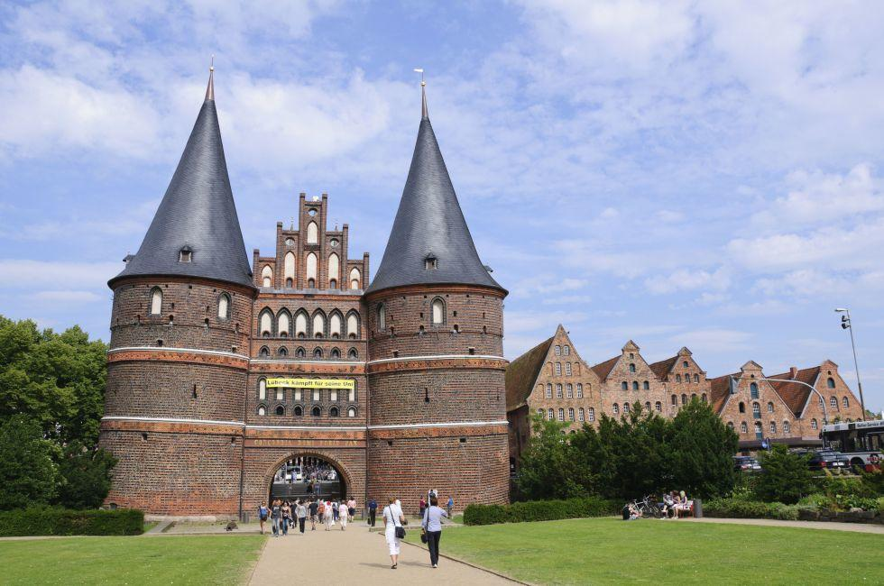 Holsten Gate, Lubeck, Schleswig-Holstein and the Baltic Coast, Germany, Europe.