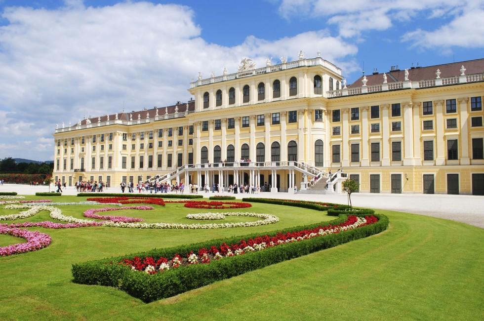 Garden, Schonbrunn Palace, Vienna, Austria