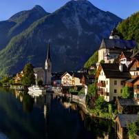 Lake Hallstatter, Hallstatt, Salzkammergut, Austria