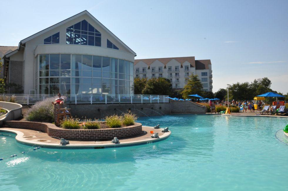 Swimming Pool, Hyatt Regency, Chesapeake Bay Resort, Cambridge, Maryland