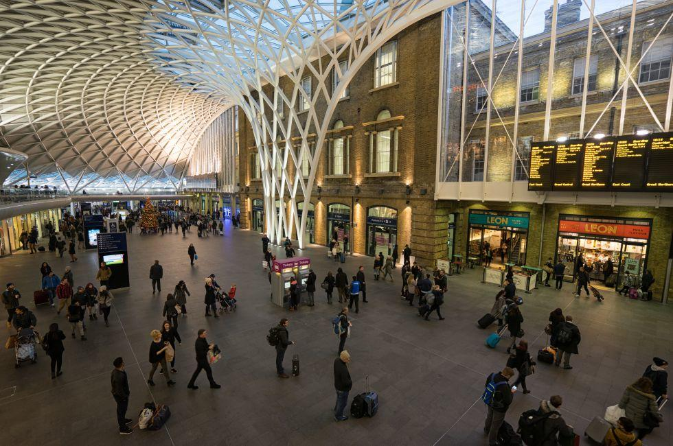 Departure concourse, King's Cross Station, King's Cross, London, England, Europe
